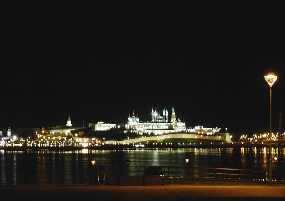 Night view over Kazanka river